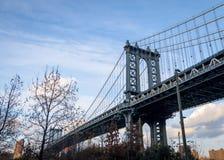 Manhattan most i Manhattan linia horyzontu widzieć od Dumbo w Brooklyn, Nowy Jork -, usa Zdjęcia Stock