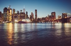 Manhattan na hora azul, New York imagem de stock royalty free