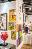 Manhattan New York City, NY, Förenta staterna - April 7, 2019 Artexpo New York, modern och samtida konstshow, pir 90 NYC arkivfoton
