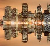 manhattan night skyline στοκ εικόνα με δικαίωμα ελεύθερης χρήσης