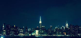Manhattan at night. View from the roof of the building in Brooklyn Stock Photo