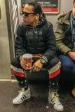 Manhattan, NY E.U. - 8 de março de 2018 pessoa interessante em um metro imagem de stock royalty free