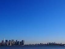 Manhattan och Brooklyn bakgrund Arkivfoton