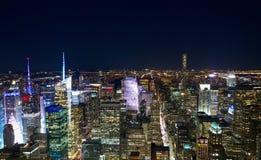 Manhattan panoramy powietrzny widok przy nocą z drapacz chmur linią horyzontu Obrazy Royalty Free