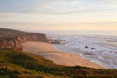 Manhattan plaża, Przyrodniej księżyc zatoka, Kalifornia Obrazy Royalty Free