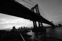 Manhattan skyline with brooklyn bridge Royalty Free Stock Photos