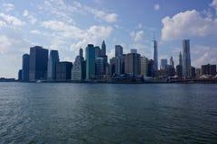 Manhattan-Skyline in New York Stockfotos