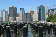 Manhattan skyline panorama from Brooklyn Bridge Park Royalty Free Stock Photos