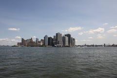 Manhattan-Skyline, vom East River stockfotografie