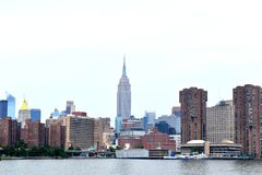 Manhattan-Skyline vom East River stockbilder