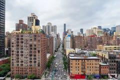 Manhattan-Stadtbild von Roosevelt Island Tramway (1. Allee) Lizenzfreie Stockbilder