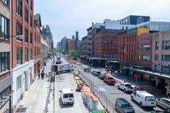 Manhattan-Straßenansicht von der hohen Linie Park in New York City Stockbilder