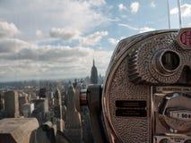 Manhattan till och med en sökare Arkivfoto