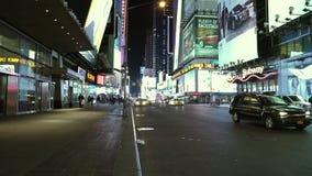 Manhattan-Times Square bis zum der Nacht ziemlich leer - Videoclip Manhattan New York am 25. April 2015 stock footage