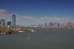 Manhattan-und Jersey-Skyline Stockbilder