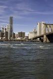 Manhattan und Manhattan-Brücke Stockfotos