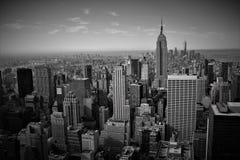 Manhattan von der Spitze des Felsens stockbild