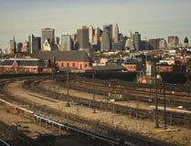 Manhattan von einer Brooklyn-U-Bahnstation Stockbilder