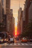 Manhattanhenge 2015 - New York City Arkivfoton