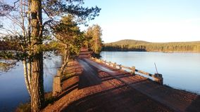 Manière à travers le lac Image libre de droits
