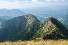 Manière au sommet de la montagne du nord photos stock