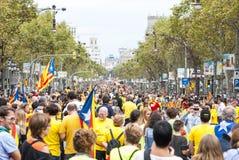 Manière catalanne, chaîne humaine pour exiger l'indépendance de Catal Images stock