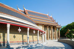 Manière de promenade autour de Wat Rajabopit Photo libre de droits