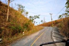 Manière de route de courbe Photos libres de droits