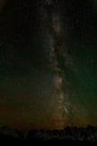 Manière laiteuse de ciel de montagnes d'étoile images stock