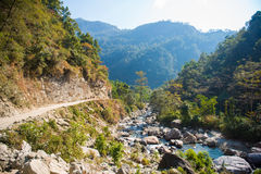Manière sur la montagne pour le trekking Photo libre de droits