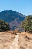 Manière sur la montagne pour le trekking Photographie stock libre de droits