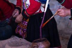 Manières naturelles de colorer des textiles image libre de droits