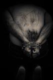 Mani a catena di un uomo Immagine Stock Libera da Diritti