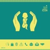 Mani che tengono bambino, simbolo di protezione Fotografie Stock Libere da Diritti