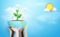 Mani che tengono globo con il fondo della pioggia e della pianta Stile di carta del mestiere e di arte Fotografie Stock Libere da Diritti