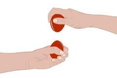 Mani che tengono le uova di Pasqua royalty illustrazione gratis