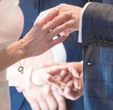 Mani degli amanti Immagine Stock