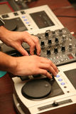 Mani del DJ Fotografia Stock Libera da Diritti