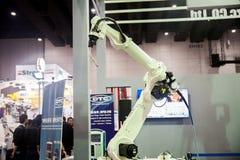 Mani del robot industriale Fotografia Stock