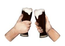 Mani dell'acquerello con i vetri di birra Fotografie Stock Libere da Diritti