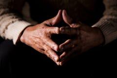 Mani dell'uomo anziano Fotografia Stock