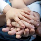 Mani della famiglia Fotografie Stock Libere da Diritti
