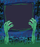 Mani dello zombie che escono da struttura grave Fotografia Stock Libera da Diritti
