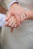 Mani di cerimonia nuziale Immagine Stock Libera da Diritti