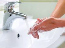 Mani di lavaggio Fotografia Stock Libera da Diritti