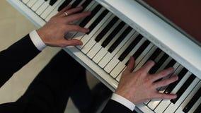 Mani di un pianista video d archivio