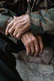 Mani di un uomo anziano Fotografia Stock Libera da Diritti