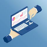 Mani e computer portatile isometrici Fotografie Stock Libere da Diritti
