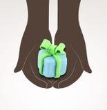 Mani nere che giudicano piccolo regalo fatto da plasticine royalty illustrazione gratis