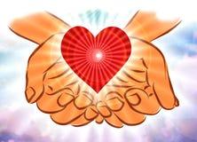 Mani in nuvole che tengono cuore Fotografia Stock